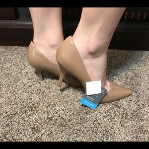 Patent Leather Nude Point Toe Heels New Sz 7.5W